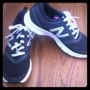 New Balance 711 Black Sneakers
